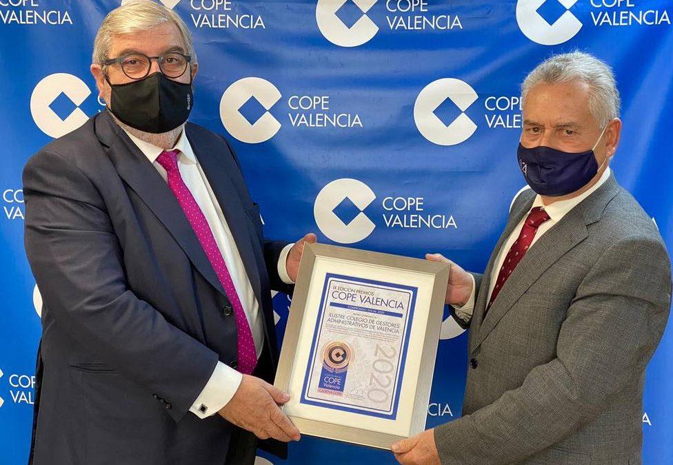 El Colegio de Gestores Administrativos de Valencia recibe el Premio al Compromiso Social de COPE Valencia